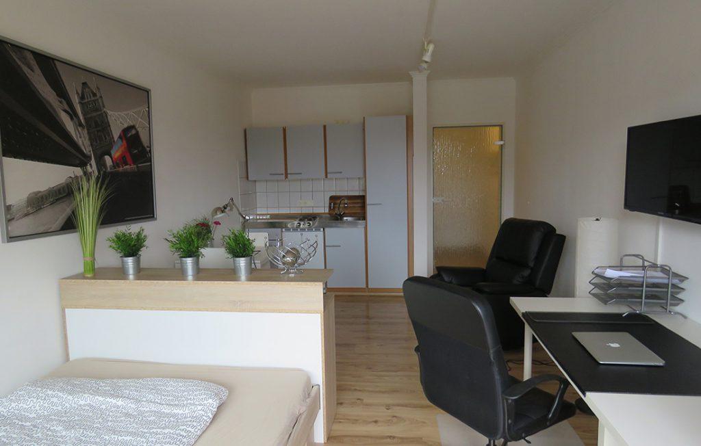 Innenansicht kompakter Wohnraum | Classic Boarding Apartment myBoardinghouse Aachen Alsdorf